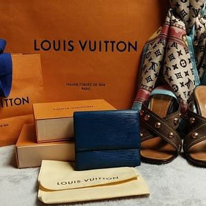 Louis Vuitton excellent used condition Epi Trifold